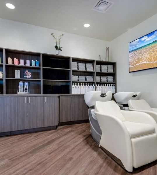 Highlands Ranch Beauty Bar & Salon