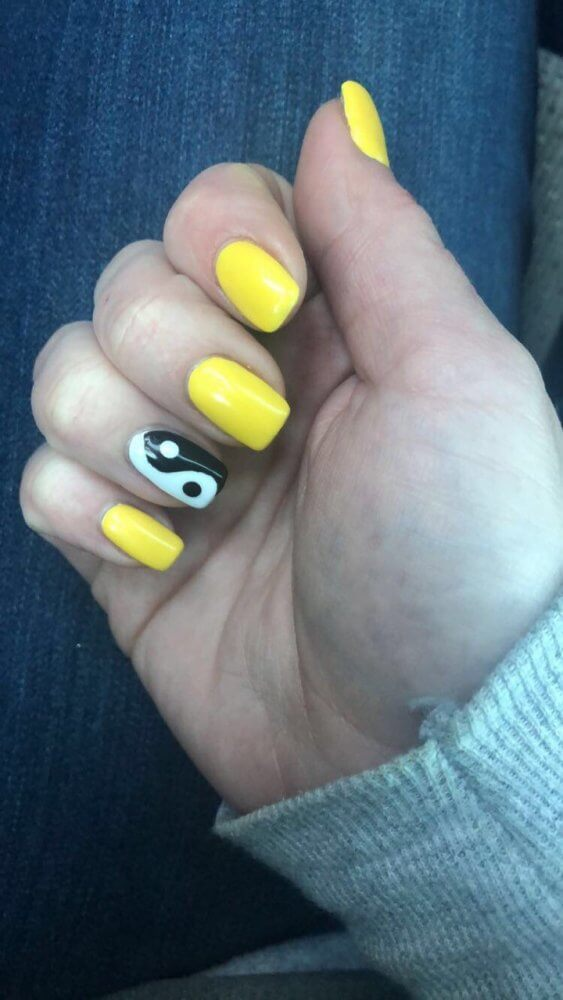 ying yang nail art yellow